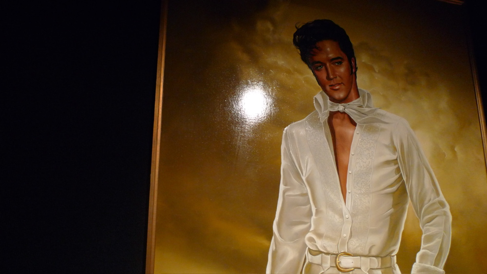 graceland-memphis-tn-august-09-03